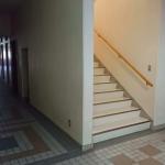 西側階段口